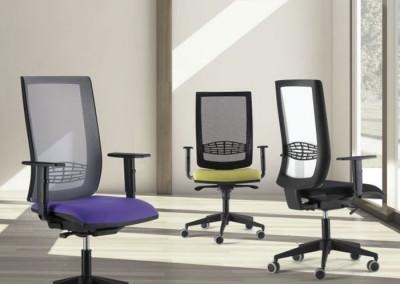 Sillas de trabajo en oficina Kind de Tecno Ofiss