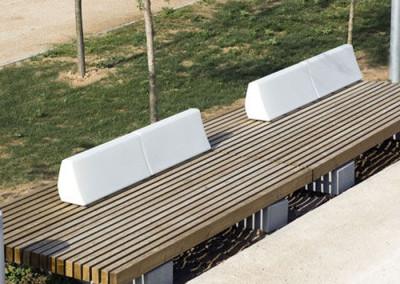 Bancos iluminados para jardines y zonas comunes de Vilagrasa